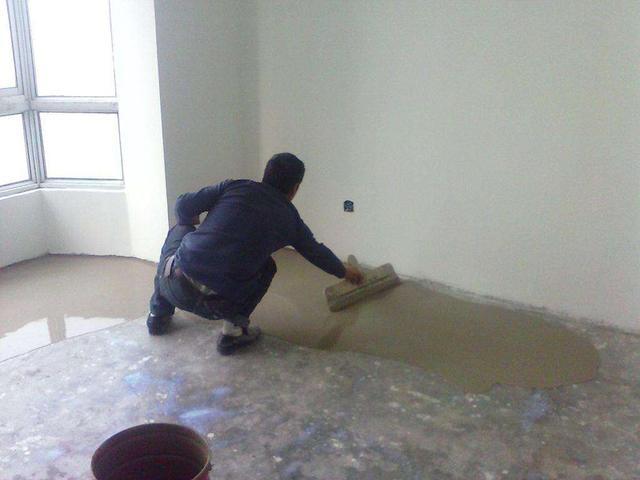石膏基自流平找平 最简单的水泥地面找平 地面找平刮平的小技巧插图(4)