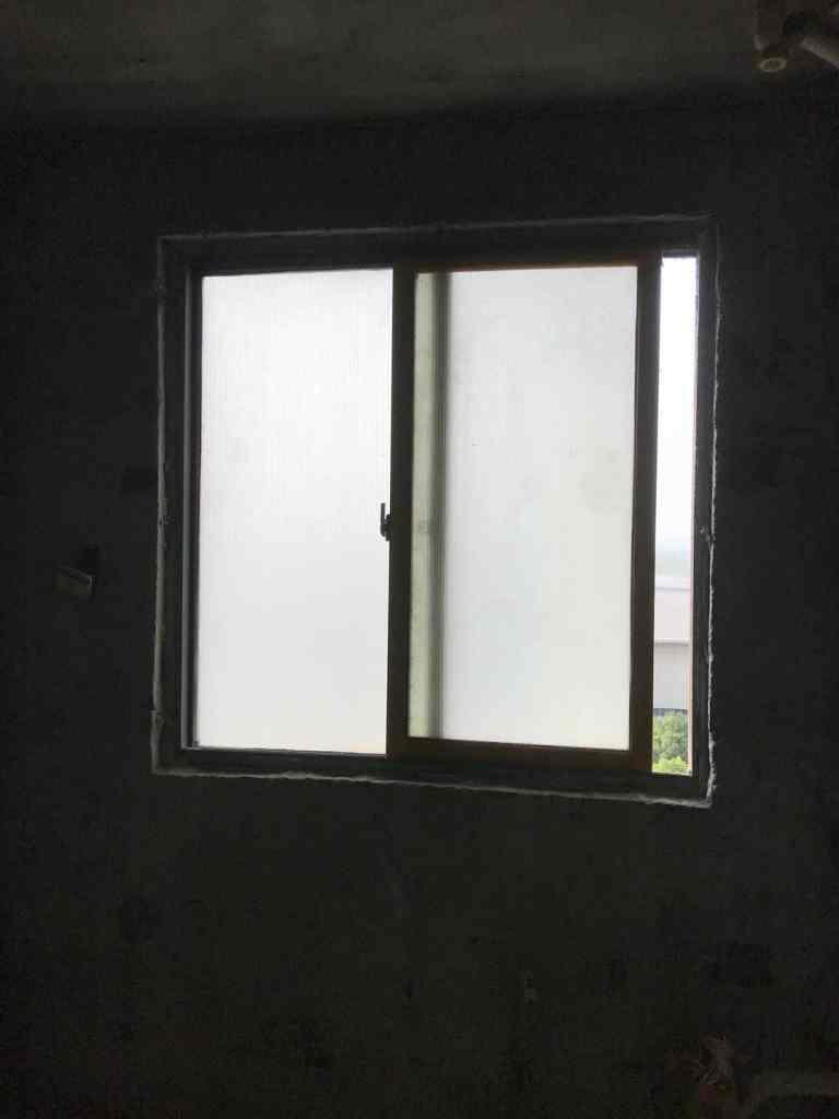 春融苑北门-黄墙绿地/成品保护