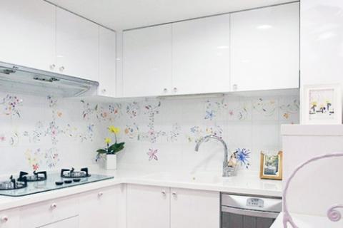 厨房卫生间地砖上墙铺贴,它有哪些优缺点