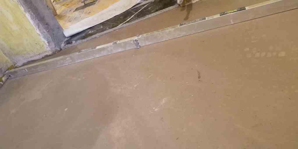 滨湖瑞园-厚层自流平施工-自装