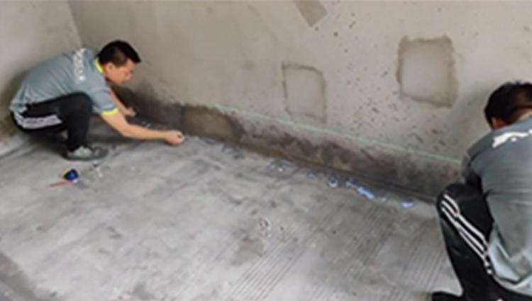 如何用石膏基自流平施工木地板地面找平?